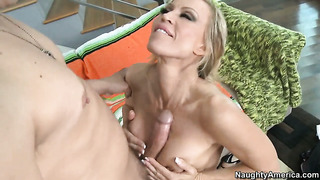 Anthony rosano gives delicious amber lynn's cunt a try in steamy hardcore action