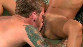 Kaylani lei gets her minge licked in living room