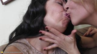 Kyssing: 7768 HD-videoer