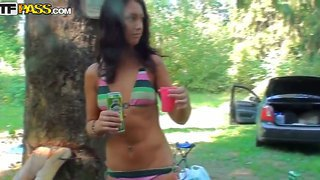 Hot college teens strips and enjoy a nice outdoor fuck after enjoying a few drinks