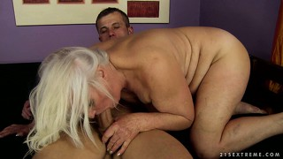 Mature whore has surprised the young man with her amazing skills