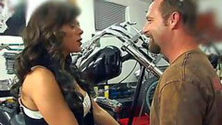 Cheating experience ball licking brunette milf with big juicy hooters and whorish make up gets on her knees and gives mind blowing blowjob session to her neighbor in his garage