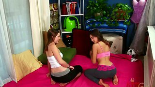 Sara luvv and her girlfriend aurielee summers in the hot lesbian action