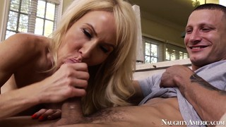 Mature slut erica lauren munches on his young meat and gets fingered