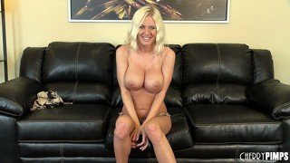 Sexy blonde riley evans displays her big round boobs, perfect ass and tight cunt