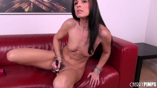 India summer gets freaky with a toy that barely fits in her mouth