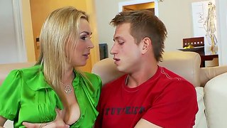 Nice sex between mature woman tanya tate and teeny boy bill bailey.