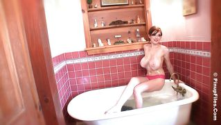 Redhead tessa fowler has an amazing pair of knockers!
