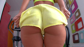 Sporty and hot brunette pornstar jada stevens enjoys in revealing her big breasts and her big rounded booty as she strips her shorts and puts of her fishnet stockings for the cam