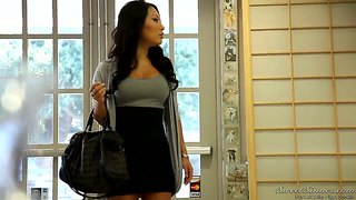 Asian sexretary rocco reed shows us how to do a pleasure to her boss