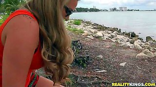 Blowjob, Ritt, Tittjob, Cam, Tattoo