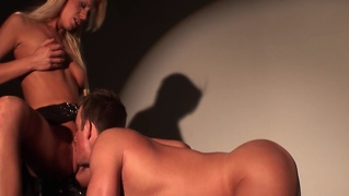 Busty glamour pornstar riding guys face and cant get enough