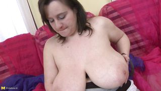 Busty bitch fulfilling her lust for masturbation.