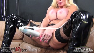 Taylor wane uses the two headed vibrator in both her ass and pussy