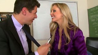 Hot chick julia ann seduces a dude and gets rubbed