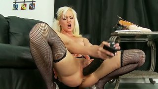 Whitney grace fucks her pussy with her big toys
