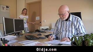 Young pussy evaluated by the older man boss