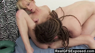 Masseuse is seduced by euro charm and sucks it