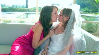 Lesbian bride aurielee summers enjoys the orgy