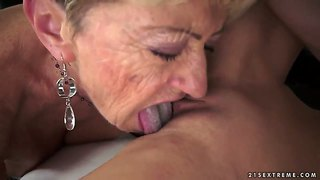 Blonde alice romain gets unbelievable lesbian pleasure to malya in girl-on-girl action