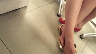 Candid feet shoeplay teen at library