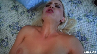 Mofos - busty blonde amateur gf scarlett star fucks on cam