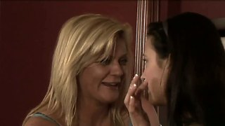 Elexis monroe and ginger lynn kiss in lips
