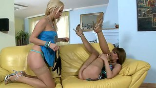 Lesbian action with carla cox and lena cova
