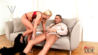 Blonde lucy love plays with herself to orgasm in solo action