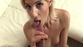 Amateur girlfriend pleasing dude with bj and she loves doing...
