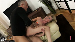 Blonde margarette makes a dirty dream of never-ending fucking with horny guy a reality