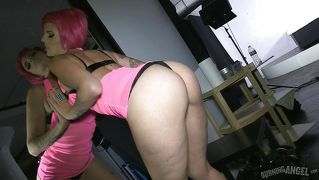 Pink haired slut loves herself and cock