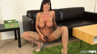 Lisa ann squats down and shoves big dildo up her tight pussy