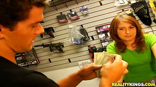 Amateur girl seduced and licked in shop