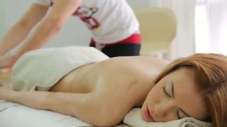 Pale skinned bitch jane gets a very nice massage and rubs masseur's cock