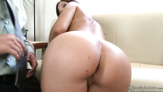 Syren de mer sucks like a sex crazed animal in oral action with tyler knight