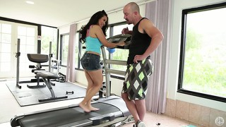 Sweet asian babe gives her gym instructor some nice, appreciative head