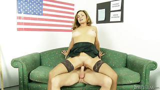 Rebecca bardoux shows off her sexy body as she gets her mouth fucked