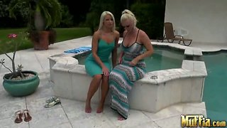 Two younf curves anikka albrite molly cavalli lick pussyes.