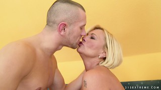 Blonde mature hottie with huge tits and a hairy cunt and sexual desires to satisfy