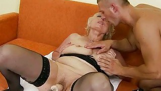 Busty granny gets her pussy rammed