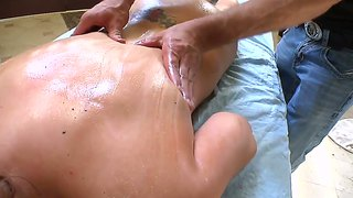 Katie kox gets some hard back- and pussy-rubbing