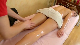 College chick lara with plump tits and slender forms came for her first naked massage