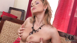 Blonde with smooth beaver loves fucking herself for you to watch and enjoy