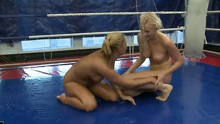 Teena dolly and linda ray duke it out in a ring