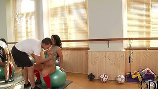 Kyra hot is a great sex instructor with big tits