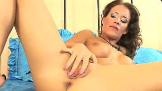 Lora craft gets couple of strong orgasms