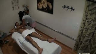 Allanah li gives a hot massage to ryan driller