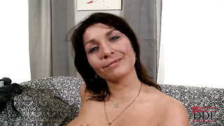 Brunette sophia moroe enjoys great masturbation session