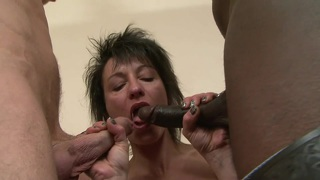 Hot mom zazala coquine is double penetrated